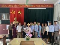 Lễ trao quà và chúc mừng em Nguyễn Thị Thu Hằng, quán quân Đường lên đỉnh OLYMPIA năm 2020 và Nhà trường